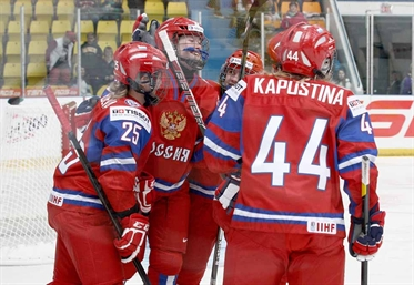 Russia improves to 2-0