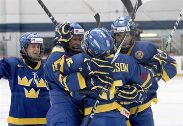 Sweden ekes out win